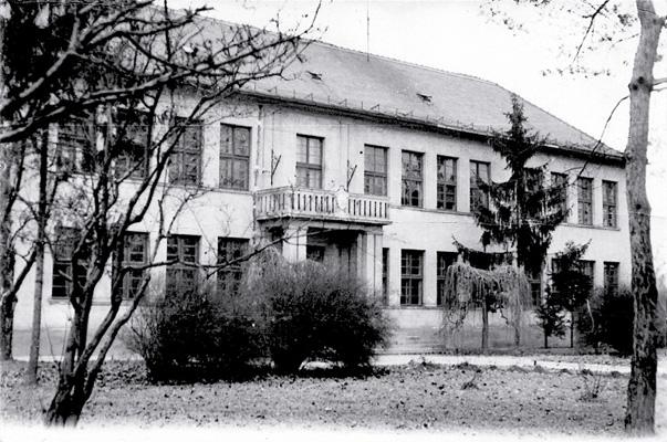 Iskolánk épülete 1958 és 1973 között